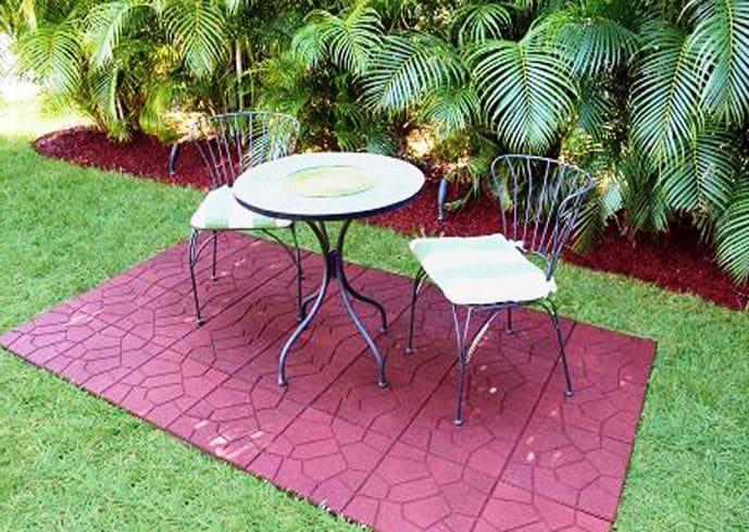 Резиновая плитка на садовых участках